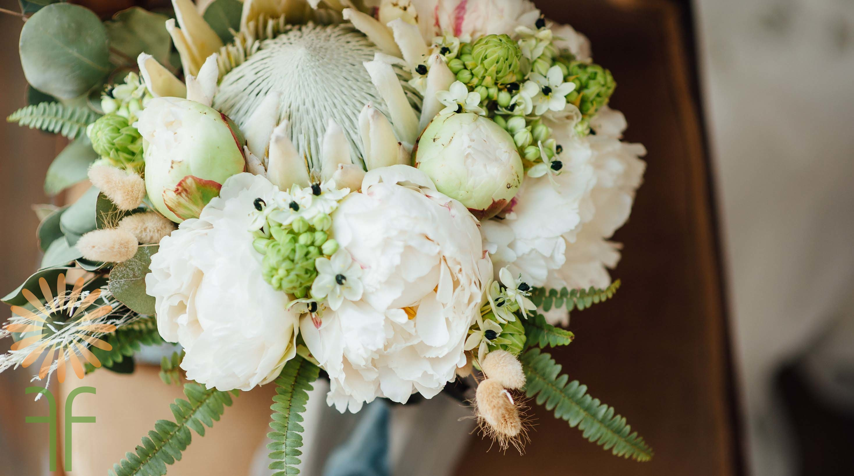 wholesale-wedding-flowers-packages-boho-protea