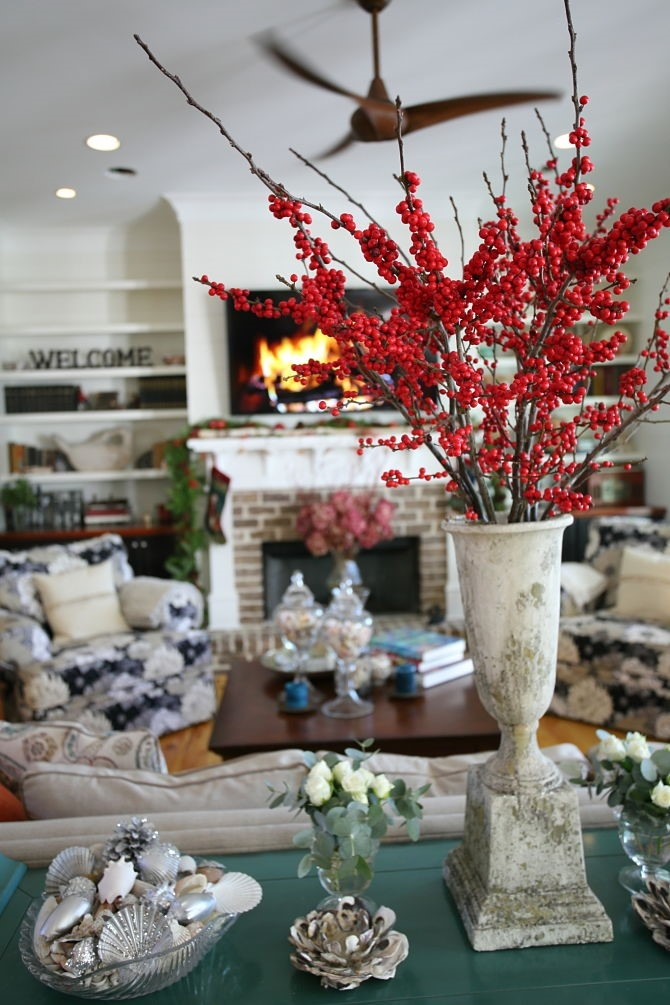 Holiday-decor-centerpiece-ILEX-berry-red